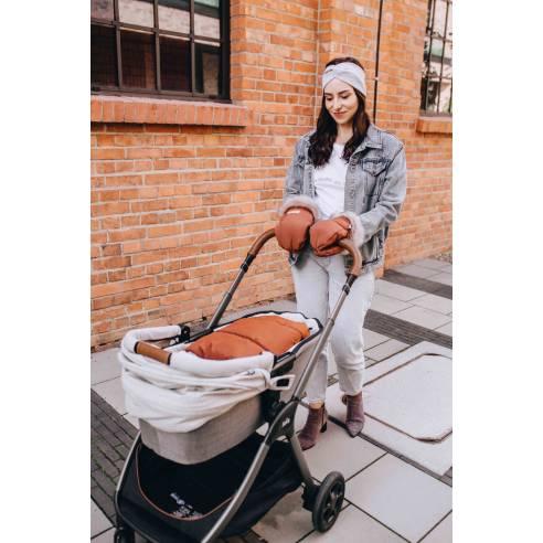 zimska vreča za otroški voziček in rokavice cimet 01